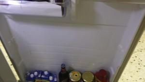 Mittenhyllan fattas! Då är det bra att det är ett Samsung kylskåp!